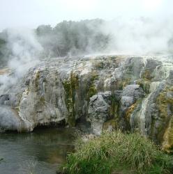http://novzelandiya.ru/img/pages/Удивительная история долины гейзеров Ваймангу